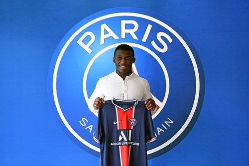 Alpha Djalo s'engage avec le Paris Saint-Germain Judo jusqu'en 2021
